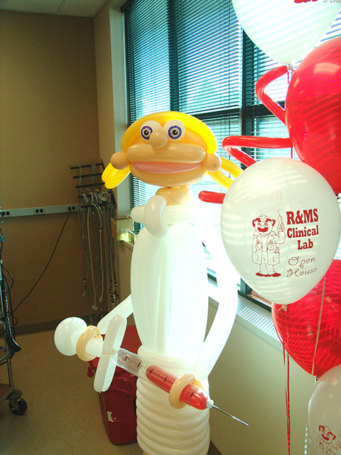 balloon-nurse-with-syringe