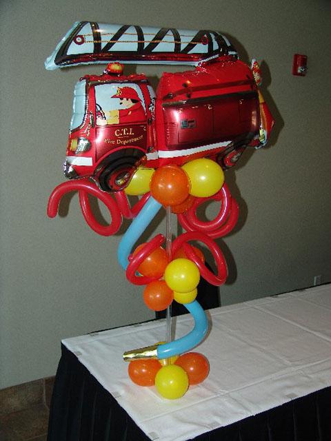 fire-truck-balloon-centerpiece