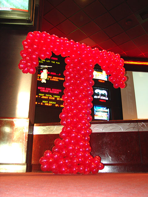 tmobile-balloon-sculpture
