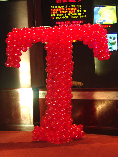 tmobile-balloon-sculpture2