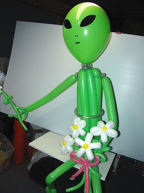 twisted-alien-balloon21