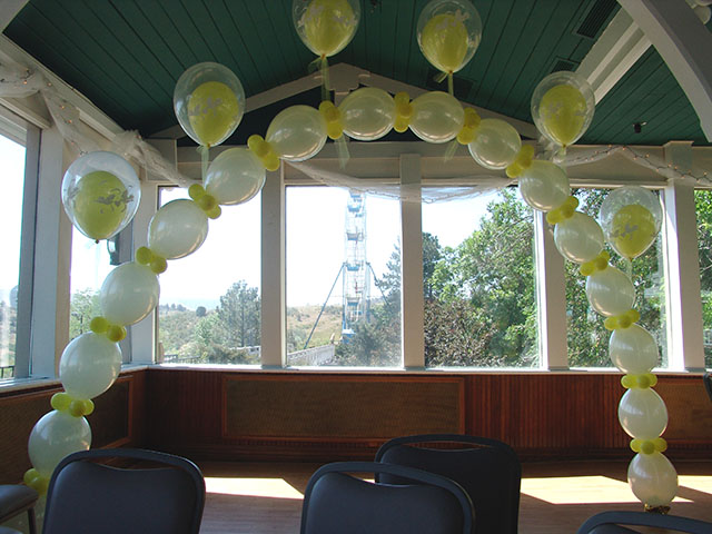 balloon-wedding-arch
