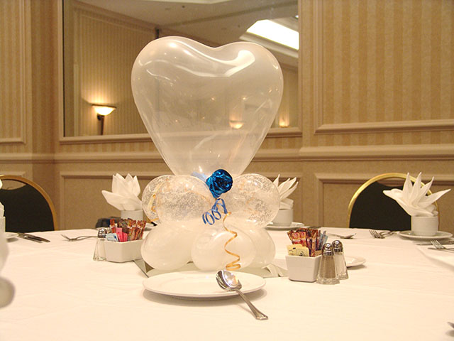 Wedding balloons balloons denver for Balloons arrangement decoration