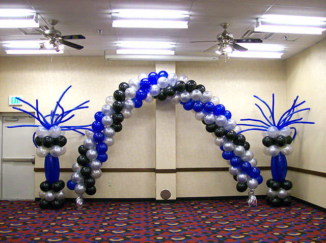 fun-balloon-columns-and-arch
