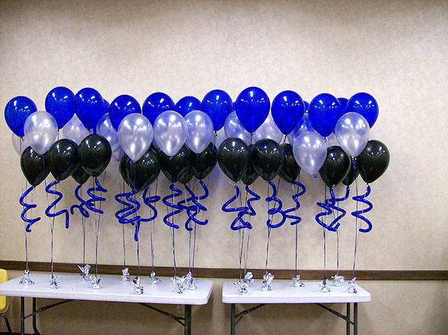 matching-balloon-bouquets