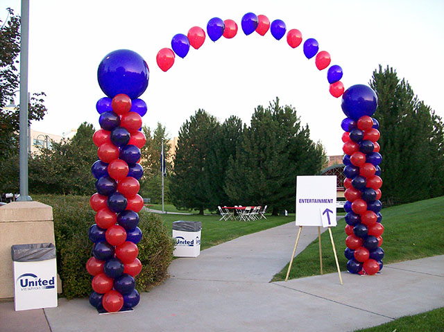 Balloon Columns with String Arch