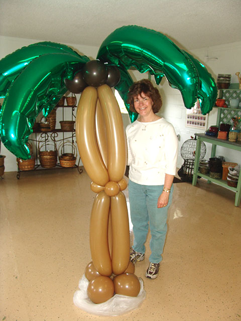 balloon palm tree with mylar fronds
