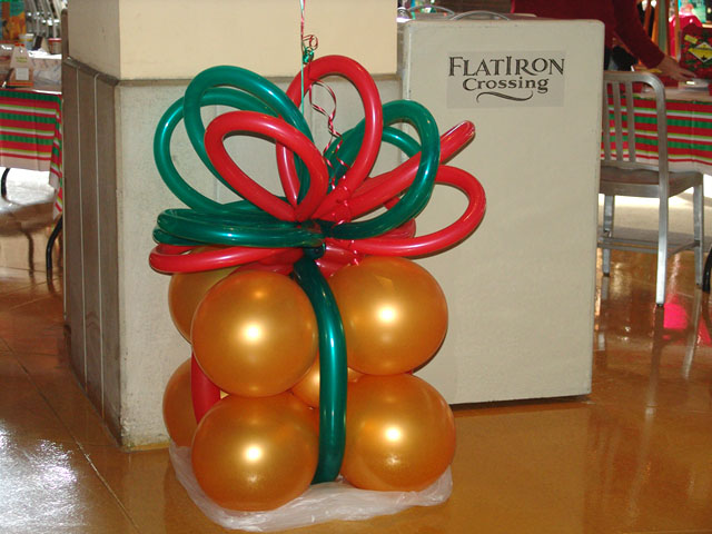 Christmas balloon decorations party favors ideas