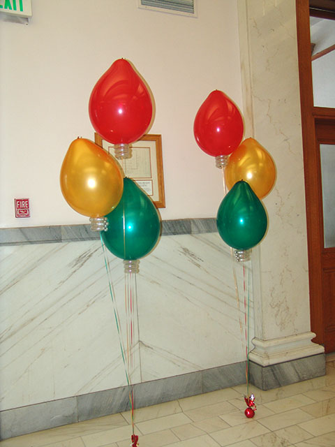 christmas bulb balloon bouquets