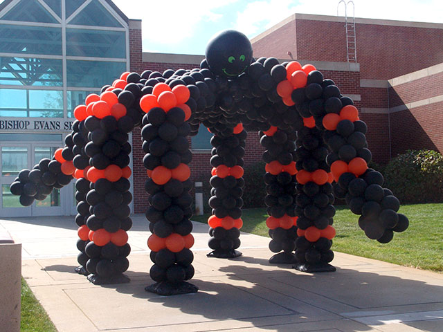 large halloween walk thru balloon spider denver