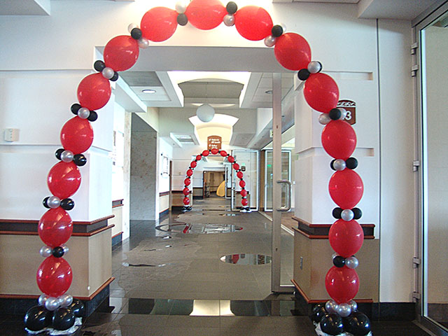 Balloon arch decoration ideas party favors ideas for Balloon arch decoration ideas